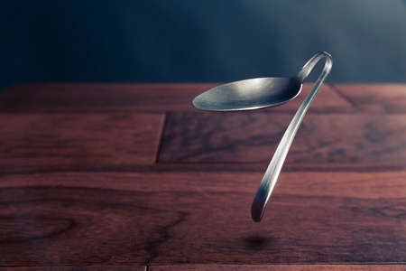 spoon bending, psychokinesis, power of the mind Imagens
