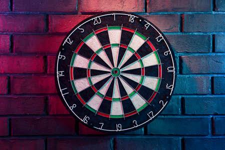 dartboard on a brick wall Zdjęcie Seryjne