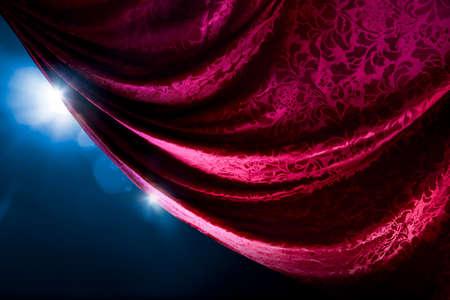 Theater gordijn met dramatische belichting en lens flare Stockfoto