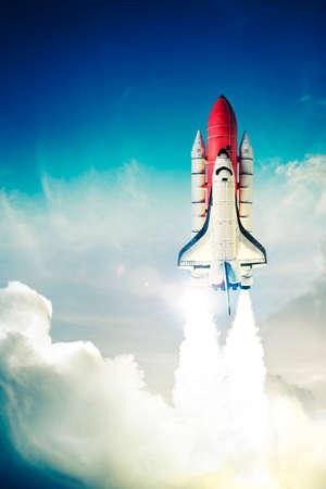La navette spatiale décolle pour une mission Banque d'images - 28047389