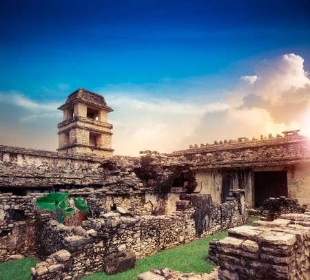 Ruinen von Palenque, Maya-Stadt in Chiapas, Mexiko Standard-Bild - 44405681
