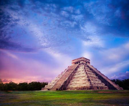 Świątynia Kukulkan, piramidy w Chichen Itza na Jukatanie w Meksyku Zdjęcie Seryjne