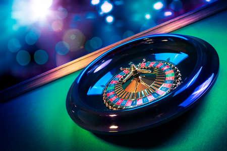 カジノのルーレットの高コントラスト画像