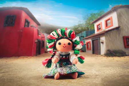 Muñeca de trapo de México en un vestido tradicional Foto de archivo - 44405632
