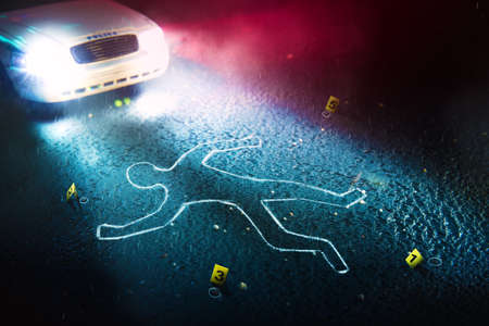 Crime scene with body outline, evidence markers and a police car with dramatic lighting Archivio Fotografico