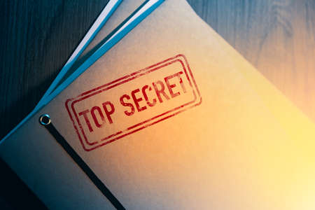Private investigator desk with top secret envelopes 스톡 콘텐츠 - 114254779