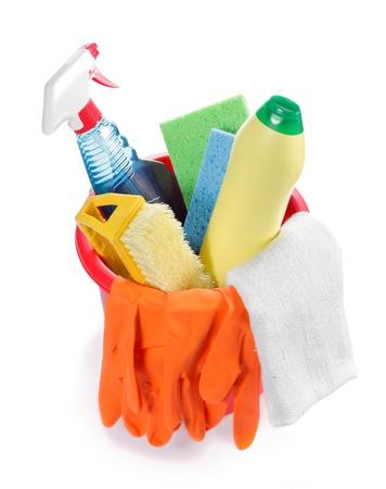 productos quimicos: Cubo de pl�stico rojo con muchos productos de limpieza interior