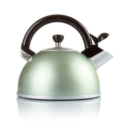 kettles: grandes series de imágenes de utensilios de cocina. Hervidor de agua aisladas sobre fondo blanco Foto de archivo