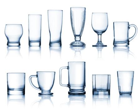 vaso vacio: De cristal transparente conjunto aislado sobre fondo blanco