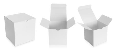 estuche: paquete de la caja blanca aislada sobre fondo blanco Foto de archivo