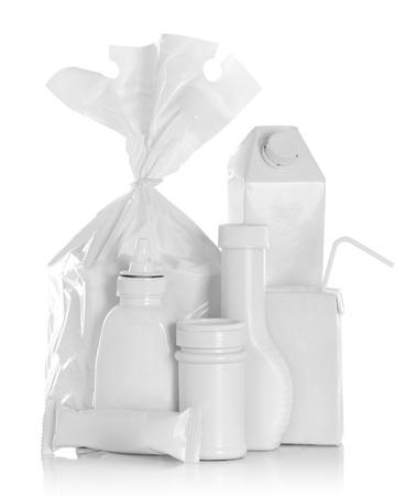 bolsa de pan: Grupo de envase alimento aislado sobre fondo blanco