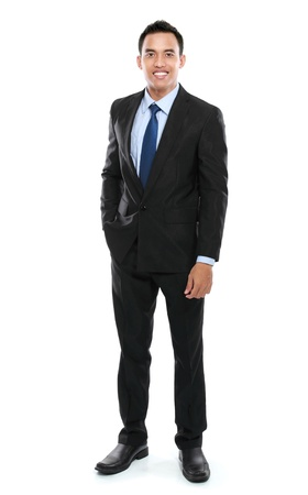 cuerpo entero: Hombre de negocios joven asi?tica aislada sobre fondo blanco.