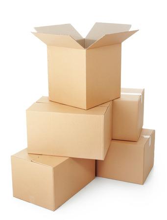 stockpiling: pilas de cajas de cart�n sobre un fondo blanco Foto de archivo