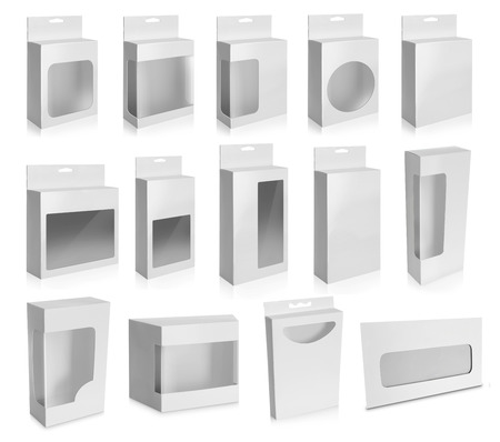 白い背景に分離されたウィンドウとホワイト製品パッケージ ボックスのコレクションです。