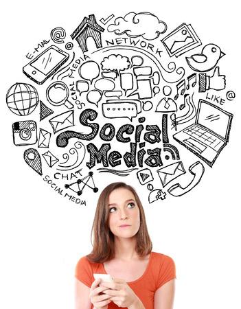 Happy jonge vrouw op zoek up van de hand getrokken illustratie van sociale media teken en symbool krabbels Stockfoto
