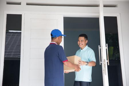 宅配サービス