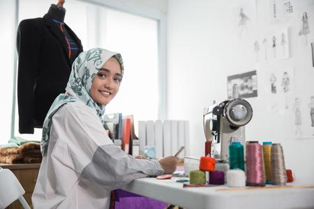 attractive muslim woman fashion designer Stockfoto