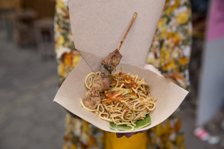 fried noodle with chili sauce