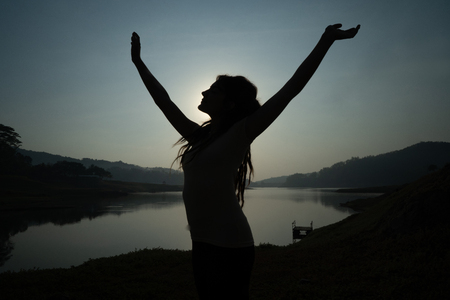 portrait silhouette of woman wake up in the morning Zdjęcie Seryjne - 110279482
