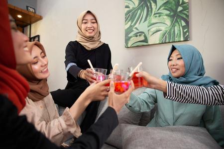 muslim friend break fasting in ramadan