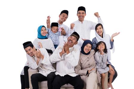 familia musulmana asiática eid mubarak ramadan kareem Foto de archivo