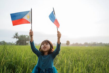 phillipine kid with national flag