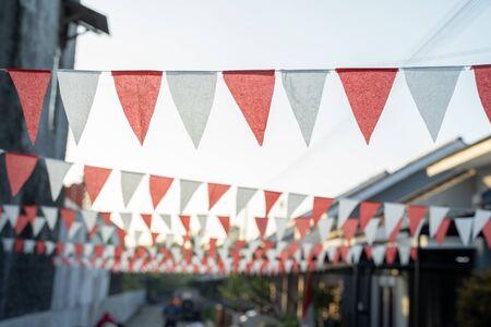 Cadena de bandera roja y blanca decoración del día de la independencia de indonesia