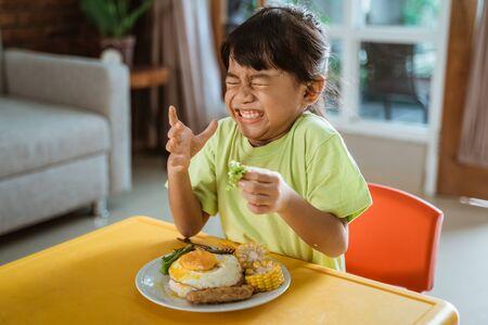 kid hate to eat healthy fresh vegetable