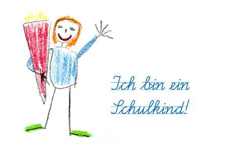 Glückwunschkarte für den Start der Schule mit Kinderzeichnung und Deutsch Text Ich bin ein Schulkind, das heißt, ich bin ein Schulkind, auf einem weißen Hintergrund