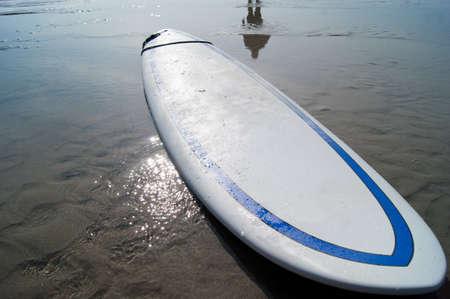 tabla de surf: tabla de surf con agua
