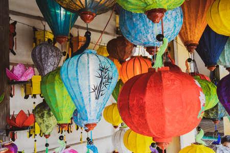 Colored vietnamese silk lanterns. Asian silk lanterns. 版權商用圖片
