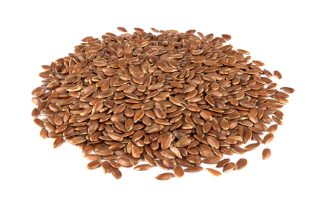 Flax seeds isolated on white background. Also known as Linseed, Flaxseed and Common Flax. Pile of grains, isolated white background. Banque d'images
