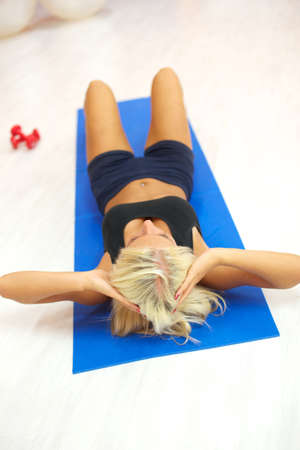 sit ups in gym photo
