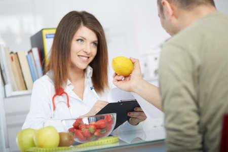 young nutritionist Standard-Bild
