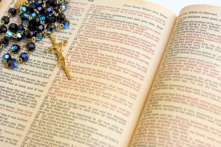 Rosaire avec sainte bible