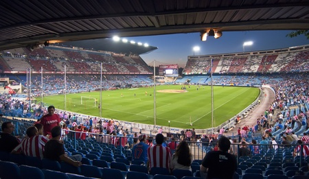attend: MADRID, SPAIN-SEPTEMBER 15: Vicente Calderon soccer stadium during a soccer game Atlético Madrid vs. Celtic on September 15, 2011 in Madrid, Spain. Atlético Madrid won 2-0.