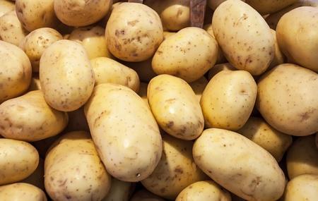 papas: Patatas en el mercado
