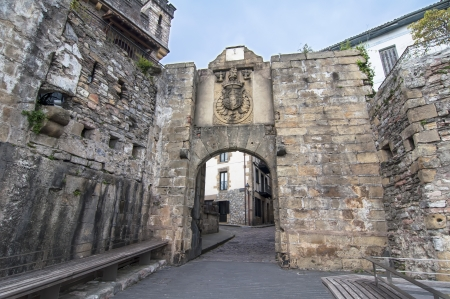 Main entrance to the walled city of Hondarribia Stock Photo - 16391359