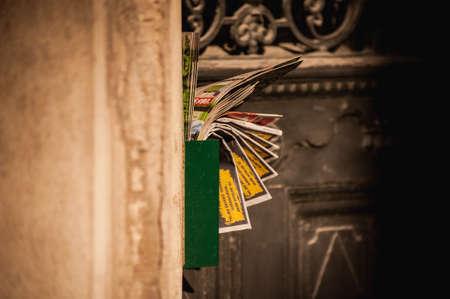 Letterbox gestaute voll mit der Junk-Mail-