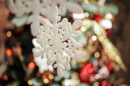 christmas decor: Christmas decor: snowflake related crochet Christmas tree