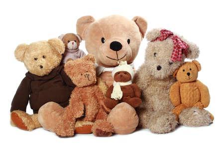 juguetes antiguos: un mont�n de oso de peluche aislados en fondo blanco Foto de archivo