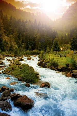 rios: Paisagem da montanha Banco de Imagens