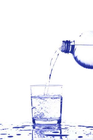 acqua vetro: acqua su un vetro