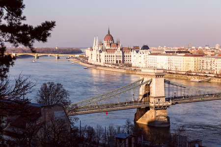 the chain bridge: The famous chain bridge in Budapest, Hungary
