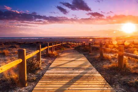 paisaje mediterraneo: Atardecer en la playa cerca de Almería. Parque de Cabo de Gata Nijar Natural, Almería. España. Andalucía