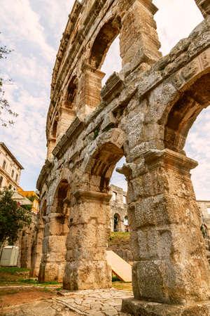 roman amphitheater: Famous ancient Roman Amphitheater