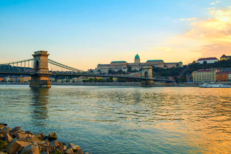 Beautiful view. Chain Bridge (Lanchid) and Royal palace in Budapest, Hungary Redakční