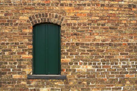 Old Brick Wall & Window de bâtiment abandonné. Banque d'images - 1391210