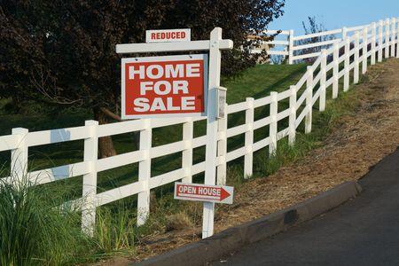reduced value: Inmobiliaria signo, la reducci�n de signo & Mini Open House flecha signo.