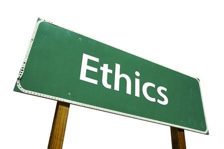 valores morales: �tica carretera signo aislado en blanco.  Foto de archivo